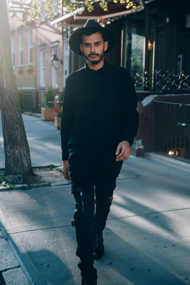 Stomping into NYFW in all black (Photo Ignis Terram)