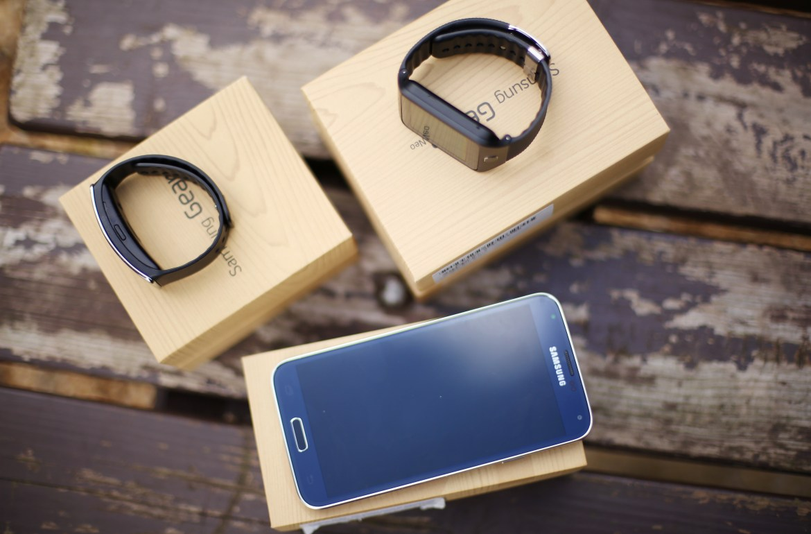 Samsung S5, Gear Fit and Gear Fit Neo Review