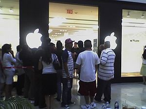 Shopping frenzy in San Jose, CA as the new App...