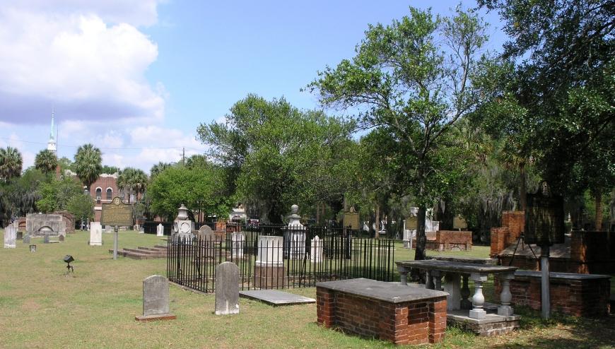 A Family Trip to Savannah - Colonial Cemetary