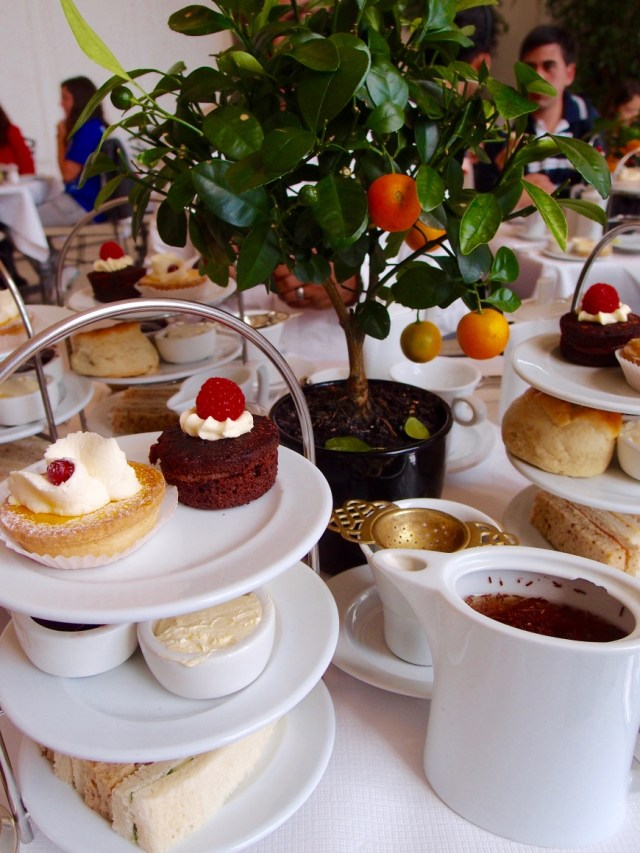 London sightseeing Tea at The Orangery - http://iamsherrelle.com