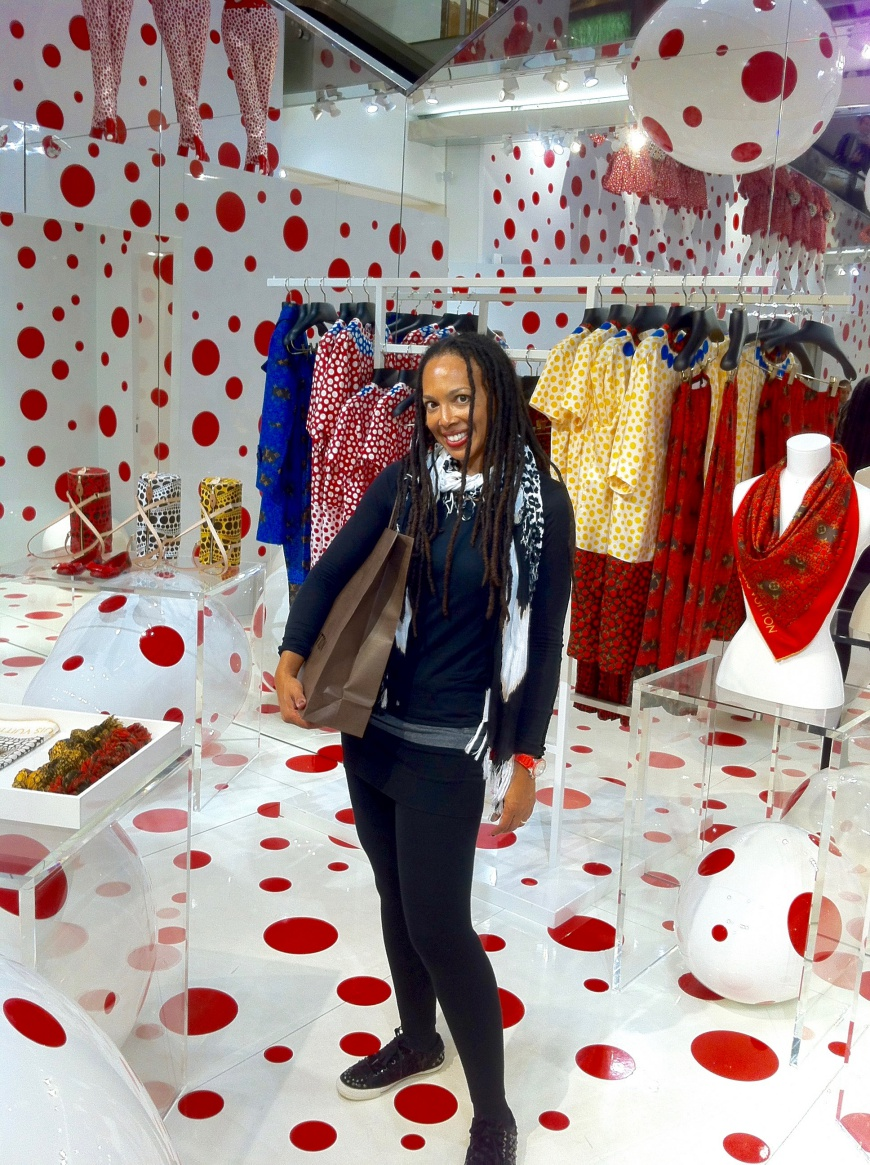 Louis Vuitton Kusama pop-up selfie - http://iamsherrelle.com