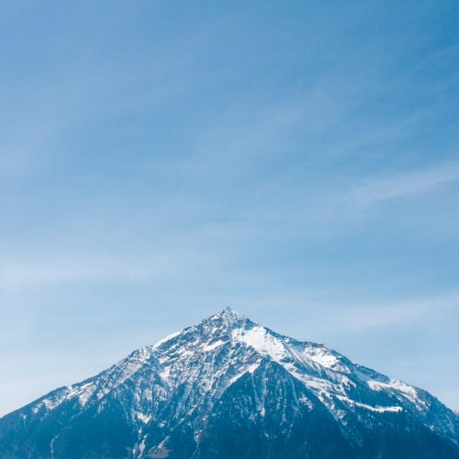 azul clarito iamsombra lake mountains