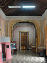 Vista de los Espacios Protocolares, hacia el auditorio (antigua capilla). Foto: Eduardo Tovar Zamora.