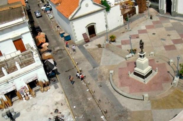 Rehabilitación de la plaza Baralt de Maracaibo, Zulia. Foto Julio Ramírez, diario Panorama, 2015 copia
