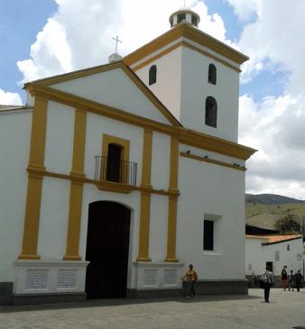 Iglesia Nuestra Señora del Rosario, Baruta. Foto: Alejandra Suárez.