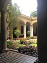 """Casa de la Historia """"Lorenzo A. Mendoza Quintero"""". Patio interior desde la entrada. Foto: Mayerling Zapata López."""