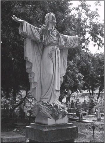 Estatua saqueada