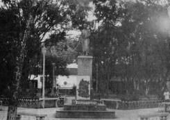 Estatua de Bolívar, en los 60.