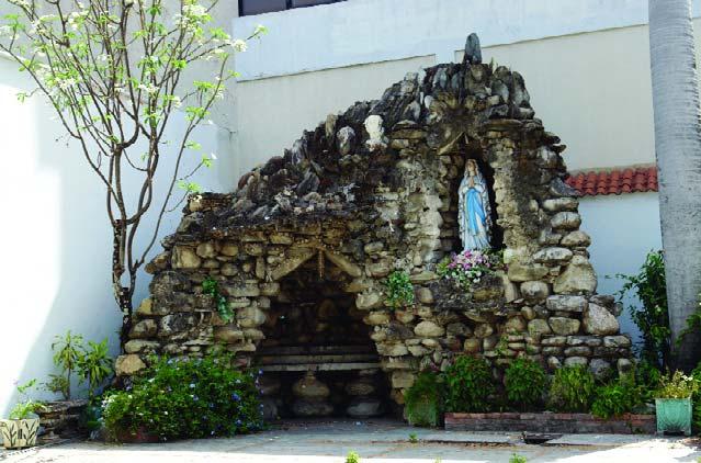 Gruta de Lourdes.