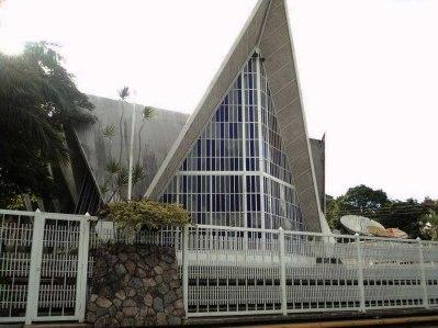 Lateral de la iglesia Virgen del Pilar. Foto Dixon Palmera.