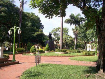 Plaza Bolívar de Barinas en 2008. Foto Geliersanta.