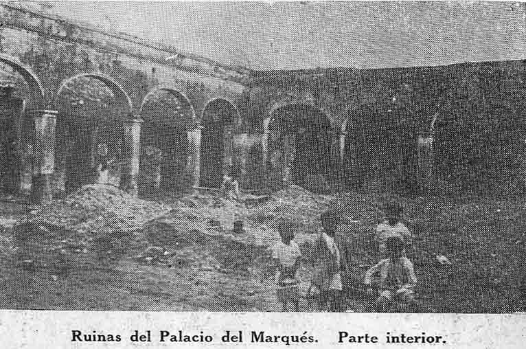 Ruinas de la edificación en 1926. Foto digitalización Samuel Hurtado Camargo.