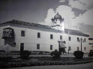 Se observa la garita y la puerta de la prisión. Archivo Fundabahareque