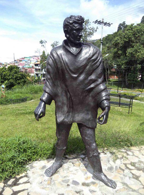 Estatua del arriero luego de su restauración en el 2015, mayo 2017. Foto Samuel Hurtado Camargo