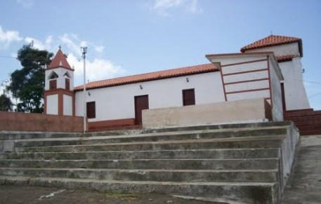 Escaleras corridas para llegar a la iglesia. Foto Jeanji / Panoramio.
