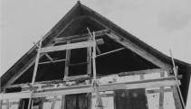 Fachada Este en proceso de restauración (foto-reproducción del libro de Leopoldo Jahn. Autor desconocido).