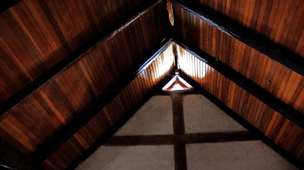 Parte interna del techo restaurado en 1996. Foto: José Luis Rosales.