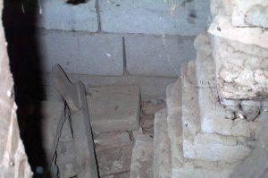 Interior de la cripta subterránea de la iglesia San Nicolás de Bari, del municipio Obispos del estado Barinas. Venezuela.