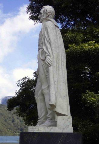 Lateral izquierdo de la estatua de Sucre. Foto Samuel Hurtado Camargo, 28 de mayo de 2017