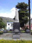 Lateral izquierdo del monumento al Gran Mariscal de Ayacucho. Foto Samuel Hurtado Camargo, 28 de mayo de 2017