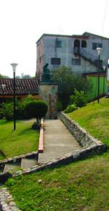 Plaza Las Madres y monumento a la madre lactante. Táchira, Venezuela.
