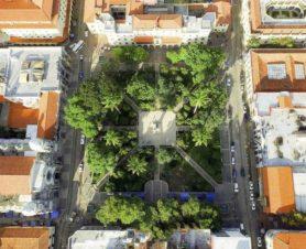Vista aérea de la plaza Bolívar de Mérida, Venezuela, en horas del día.