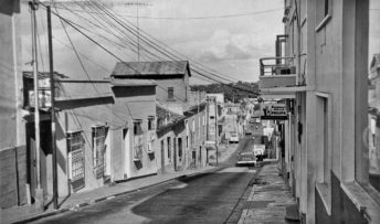 Antigua calle Bolívar, convertida en bulevar, casco histórico de Ciudad Bolívar. Patrimonio cultural venezolano en riesgo.