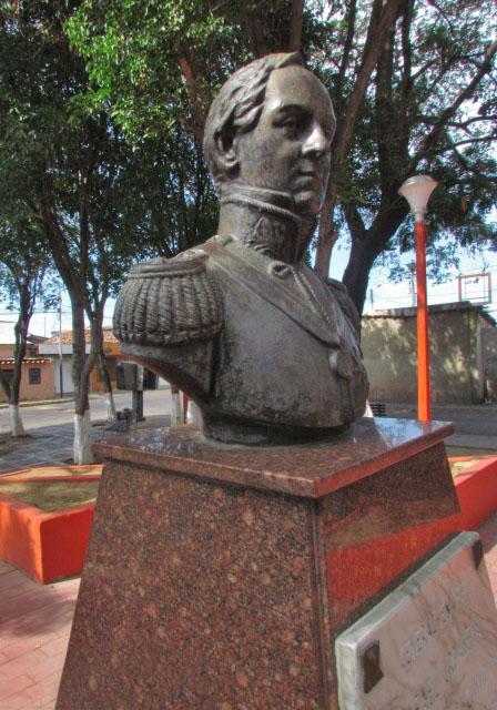 Busto de bronce del general Rafael Urdaneta, en la plaza homónima de Coro, robado el 17 de julio por fundidores del metal. Patrimonio venezolano en riesgo.