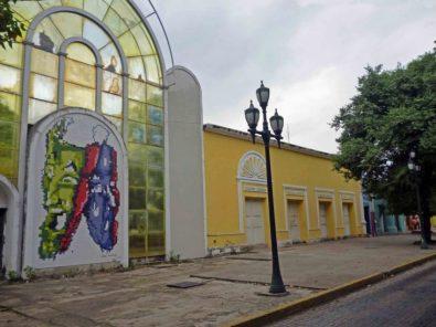 En el centro histórico de Barinas se observan restauraciones inconclusas. Patrimonio cultural de Venezuela en riesgo.