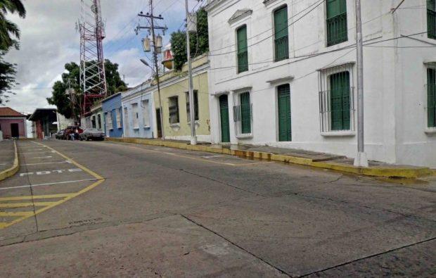 Fachada de la Casa Agosto Méndez., al lado del inmueble del consejo legislativo regional. Patrimonio de Venezuela en riesgo.