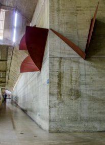 """Vista de la pared que le sirve de soporte a la obra """"Interángulos"""", de Félix George, en Faces. Ciudad Universitaria de Caracas, Patrimonio de la Humanidad desde el año 2000. UNESCO."""
