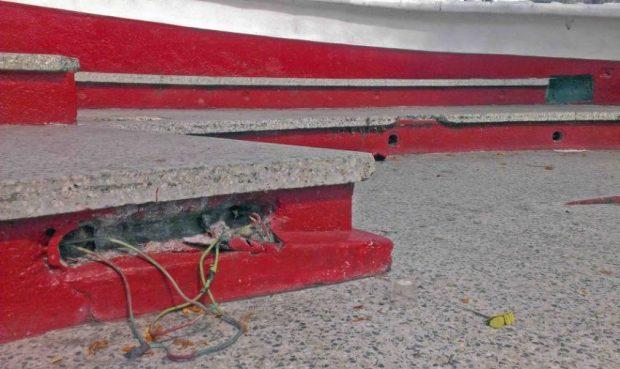 Continuos desvalijamientos del cableado eléctrico en la plaza Bolívar de Valera. Alerta patrimonial Venezuela.