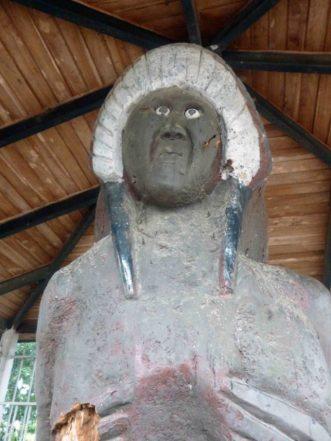 La obra está sucia y abandonada. Bien cultural del estado Barinas, Venezuela.