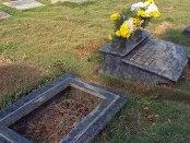 Mafias de bronce se ceban en los cementerios. 190 placas de bronce se llevaron del Cementerio Metropolitano, Barcelona, en enero de este año. Patrimonio venezolano en riesgo.