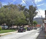 Costado noreste de la plaza Rivas Dávila.Patrimonio histórico del municipio Mérida, estado Mérida. Venezuela.
