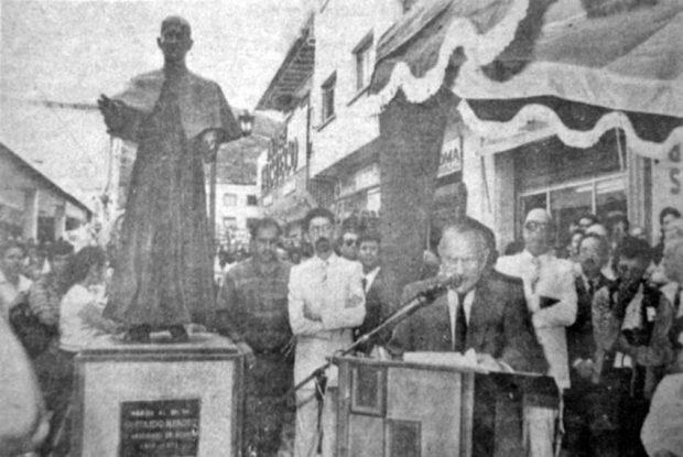 Inauguración del monumento a José Rafael Pulido Méndez., en 1987. Patrimonio cultural de la ciudad de Mérida, Venezuela.