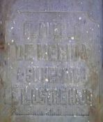 Inscripción lateral izquierdo del pedestal. Patrimonio histórico del municipio Mérida, estado Mérida. Venezuela.