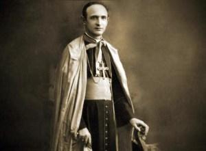 Monseñor Salvador Montes de Oca - Obispo Venezolano mártir asesinado por los nazis, cuyo monumento fue destruido por la mafia del bronce. Patrimonio de Venezuela en riesgo.