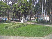 Zona central de la plaza Rivas Dávila desde el costado suroeste. Patrimonio histórico del municipio Mérida, estado Mérida. Venezuela.