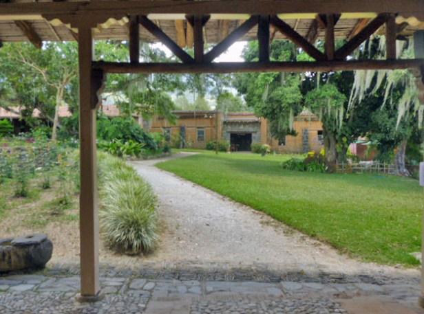 La hacienda de trapiche desde la cual la familia Clavo dinamizó la economía boconesa y pasó sus últimos días. Patrimonio cultural de la ciudad de Boconó, estado Trujillo, Venezuela.