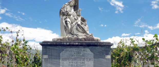 Mausoleo de la familia Clavo, en el cementerio municipal de Boconó, estado Trujillo. Patrominio cultural de Venezuela.