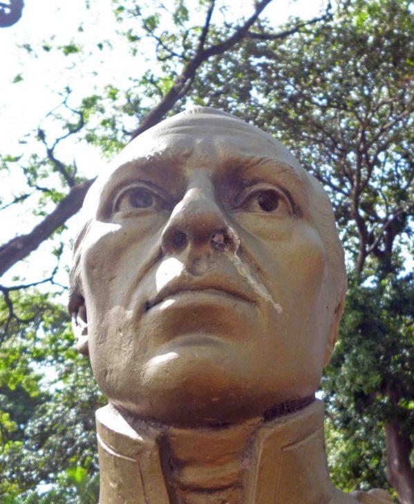 Ladrones del bronce roban busto de del paseo Los Trujillanos. Patrimonio cultural de Barinas en riesgo.
