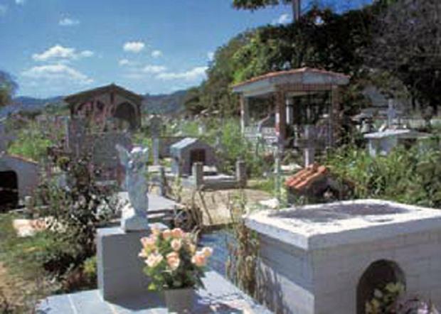 Cementerio municipal de Cúpira. Patrimonio cultural del estado Miranda, Venezuela.