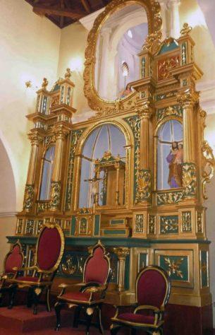 Retablo de la catedral Nuestra Señora del Pilar. Patrimonio cultural de Barinas, Venezuela.