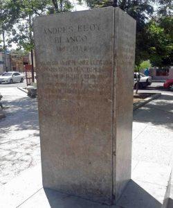 Roban busto de bronce de Andrés Eloy Blanco en Cumaná, Sucre. Patriimonio cultural de Venezuela en peligro.