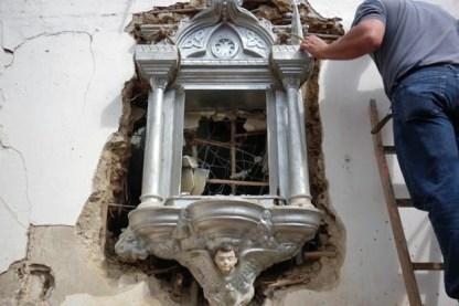 Iglesia de Lobatera para la época. Toda la ornamentación fue realizada por Ciro Romero entre 1920 y 1923. El templo fue derribado y remodelado entre 1949 y 1967, desapareciendo todas las obras de Ciro Romero