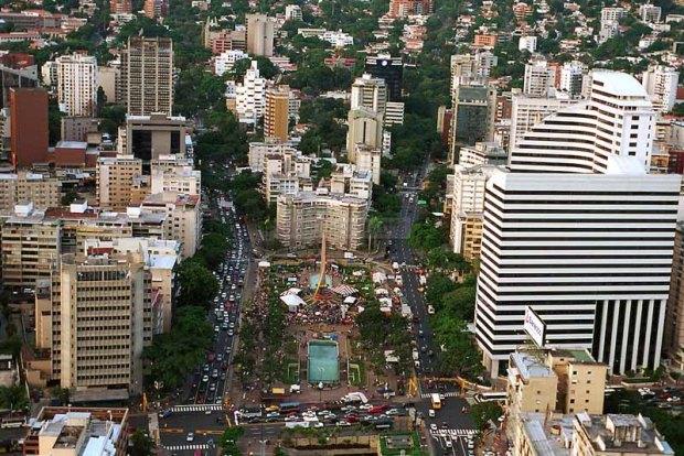 Plaza Francia, Caracas. Foto Ramón Lepage / Orinoquiaphoto, 19 de septiembre de 2005.