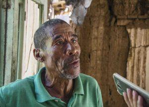 Gerónimo Acosta pide reparación para la casa que ocupa pues no tiene para donde mudarse. Coro, Falcón. Foto Jesús Romero, octubre 2018. Patrimonio mundial en peligro. Venezuela.