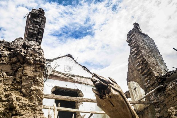 La falta de mantenimiento es tan letal como la lluvia para las casas tradicionales de la Poligonal Unesco de Coro, Falcón. Foto Jesús Romero, 2018. Patrimonio mundial en peligro. Venezuela.